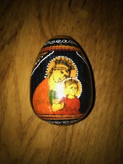 russisches Holzei mit Ikone