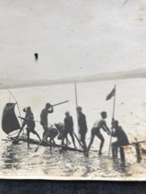 """Vatis Wandervogel auf ihrem """"Raubschiff"""" 1925"""